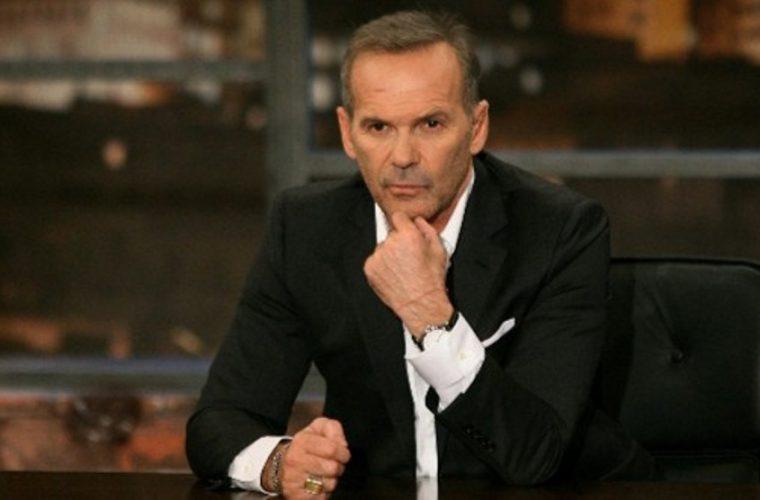 Ο Πέτρος Κωστόπουλος επιστρέφει στην τηλεόραση στη μεσημεριανή ζώνη – Ποια παρουσιάστρια θα είναι στο πλευρό του