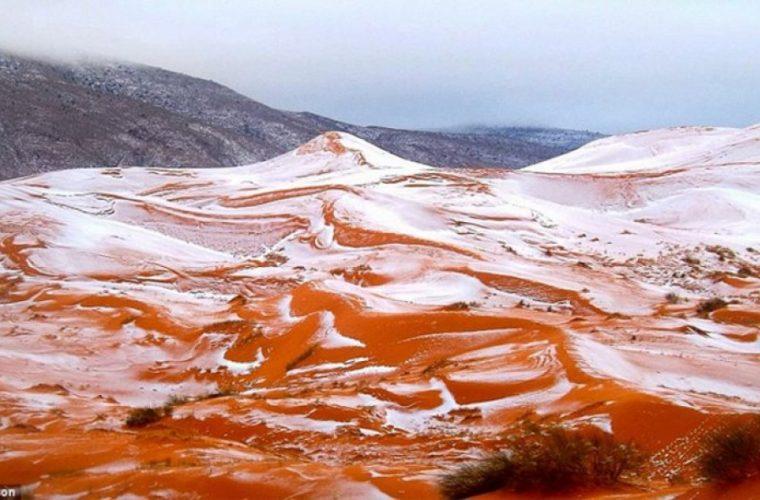 Εντυπωσιακό: Χιόνισε στην έρημο Σαχάρα!