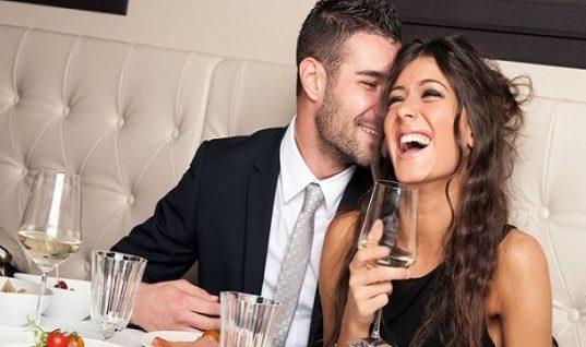 Ξεστραβώσου! 10 σημάδια ότι ένας άνδρας σε φλερτάρει