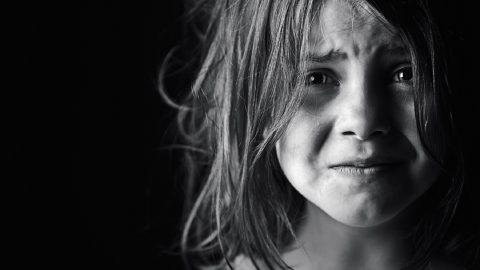 ΦΡΙΚΗ: Εργαζόμενη σε ορφανοτροφείο διατηρούσε σχέση με ανήλικο κορίτσι