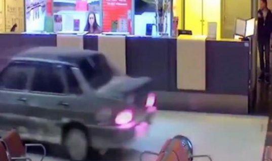 Απίθανο! Μεθυσμένος οδηγός μπούκαρε με το αυτοκίνητο του στο αεροδρόμιο! (ΒΙΝΤΕΟ)