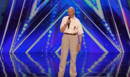 Ξετρελαθήκαμε! Απίθανος παππούς ετών 82 ξεσηκώνει το «Αμερική Εχεις Ταλέντο» τραγουδώντας (ΒΙΝΤΕΟ)