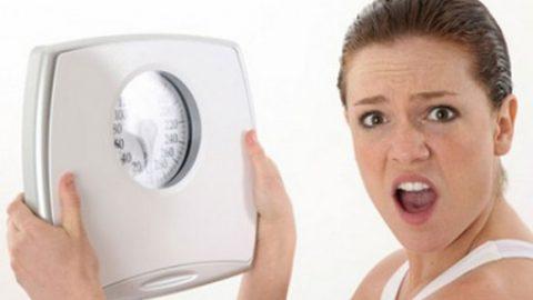 Παχύνατε τις γιορτές; 7 Απλές ασκήσεις που θα μεταμορφώσουν το σώμα σας σε 4 εβδομάδες!
