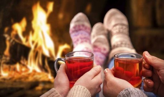 Για να περάσεις τέλεια: 10 πράγματα που μπορείς να κάνεις με τον αγαπημένο σου τις γιορτές