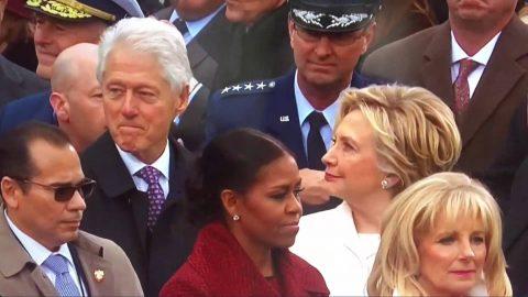 Δεν υπάρχει : Η Χίλαρι έπιασε τον Μπιλ Κλίντον να «γλυκοκοιτάζει» την Ιβάνκα Τραμπ! (vid)