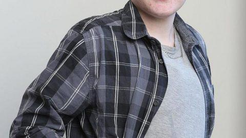 Ο πρώτος άνδρας που έμεινε έγκυος είναι ένας 20χρονος από την Βρετανία ! Δείτε τις πρώτες φωτογραφίες του