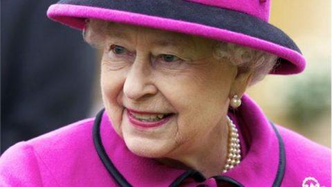 Εντείνεται η ανησυχία των Βρετανών για την κατάσταση της υγείας της Βασίλισσα Ελισάβετ