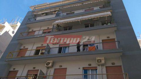 Τραγικό: Γυναίκα έπεσε στο κενό πολυκατοικίας, απ΄ όπου είχε αυτοκτονήσει και η μητέρα της!
