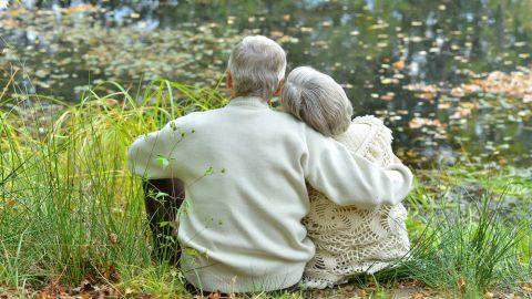 Το προσδόκιμο ζωής θα ξεπεράσει ως το 2030 τα 90 χρόνια, αλλά όχι στην Ελλάδα
