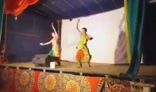 Τραγωδία: Χορευτής πέθανε στη σκηνή και οι θεατές πίστευαν ότι ήταν μέρος της παράστασης!(vid)
