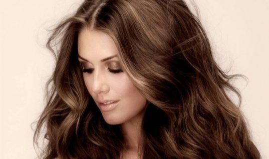Η λύση για να μυρίζουντα μαλλιά σου σαν φρεσκολουσμένα όλη τη μέρα!