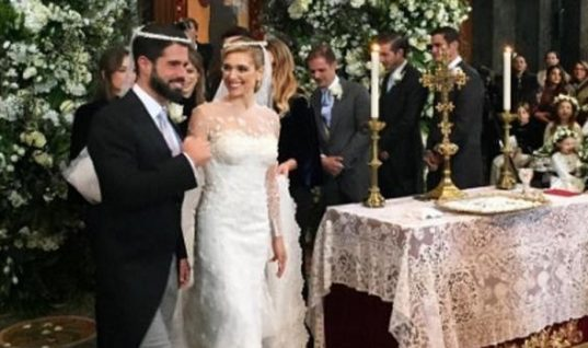 Σαν σε παραμύθι: O θρησκευτικός γάμος της Mαριάννας Γουλανδρή και του Φίλιππου Λαιμού παρουσία γαλαζοαίματων! (εικόνες)