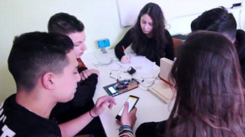 Ρόδος: Μαθητές φτιάχνουν συσκευή που ειδοποιεί τους ηλικιωμένους να παίρνουν τα χάπια τους!