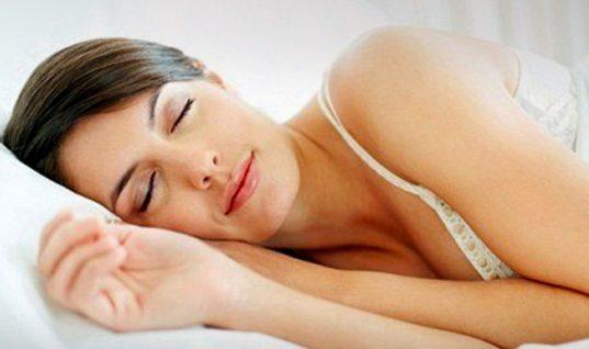 Αυτή είναι η ελάχιστη ποσότητα ύπνου που χρειαζόμαστε κάθε βράδυ