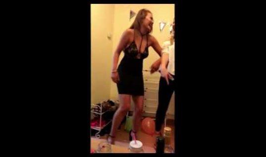 Ουπς, αυτό πόνεσε: Χόρευε προκλητικά και «καρφώθηκε» με τον πισινό σε μεταλλική ράβδο!