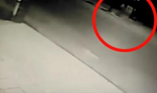 Ημαθία: Βίντεο με την 13χρονη Κατερίνα λίγο πριν την παρασύρει το αυτοκίνητο (Vid)