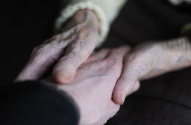 Κρήτη: Πέθανε στην κηδεία της αδελφής της
