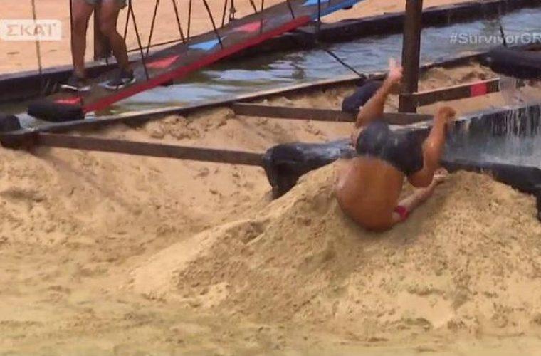 Survivor: Η απίστευτη τούμπα του Ντάνου-Καρφώθηκε με το κεφάλι στην άμμο!