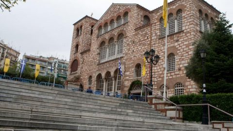 Το δράμα των δύο παιδιών που βρέθηκαν παρατημένα στη Θεσσαλονίκη