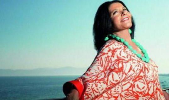 Δείτε τη Ζωζώ Σαπουντζάκη να τραγουδάει στο Βουτσά junior! (Vid)