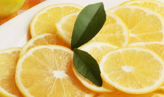 9 πράγματα που κάνεις με 1 λεμόνι (εκτός από λεμονάδα)!