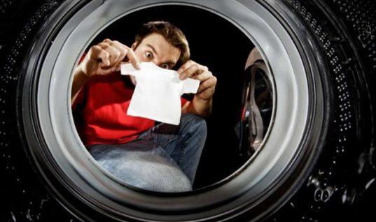 Ο εύκολος τρόπος για να επαναφέρετε τα ρούχα που «μπήκαν» στο πλύσιμο (Vid)