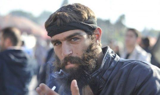 Αντιμέτωπος με τη δικαιοσύνη ο «σέξι» Κρητικός αγρότης Στάθης Στιβακτάκης