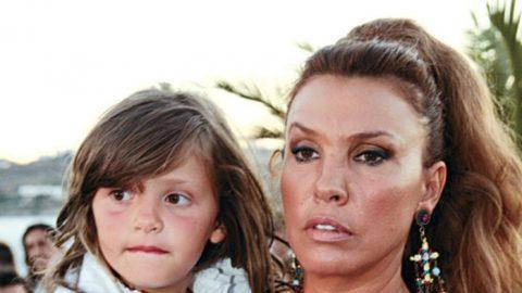 Η πανέμορφη 15χρονη κόρη της Βάνας Μπάρμπα έγινε μοντέλο! Δείτε την στην πασαρέλα