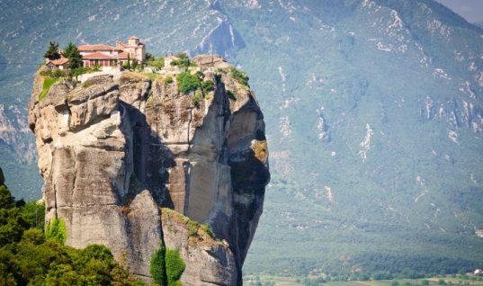 Tα 10 μέρη της Ελλάδας που πρέπει να επισκεφτείτε έστω και μία φορά στη ζωή σας!