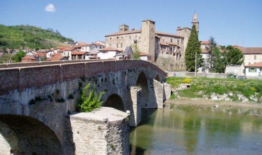 Δήμαρχος ιταλικού χωριού χαρίζει 2.000 ευρώ σε όποιον μετακομίσει εκεί!