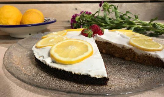 Συνταγή για κέικ λεμόνι χωρίς ζάχαρη με μυρωδάτη κρέμα!