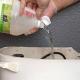 Ρίξτε ξύδι μέσα στη δεξαμενή της τουαλέτας και δείτε τι γίνεται όταν τραβήξετε το καζανάκι!