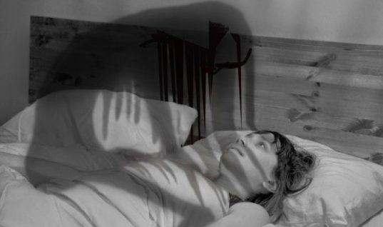 Υπνική παράλυση: Τι είναι η… δαιμονική «Μόρα – Πότε συμβαίνει