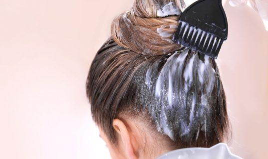 Βαφές μαλλιών: Πόσο αυξάνουν τον κίνδυνο καρκίνου του μαστού