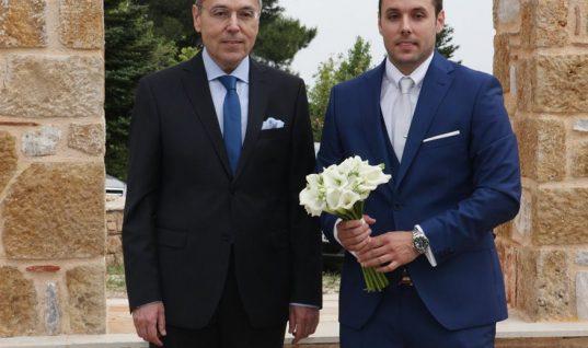 Συγκινημένος παππούς ο Αιμίλιος Λιάτσος στο γάμου του μονάκριβου γιου του, Βασίλη – Τι δήλωσε στην κάμερα; (εικόνες)
