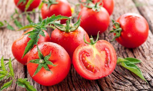 Τα δύο κόλπα για να διατηρούνται φρέσκες οι ντομάτες