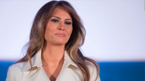 H εντυπωσιακή εμφάνιση της Melania Trump με φόρεμα Ελληνίδας σχεδιάστριας!