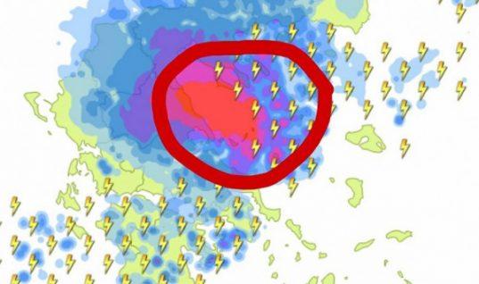 Καιρός: «Σφυροκόπημα» με εκατοντάδες κεραυνούς – Ποιες περιοχές θα «πνιγούν» απ' τις βροχές
