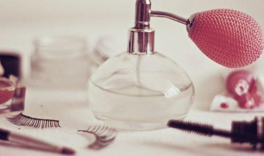 Πώς να επιλέξεις το άρωμα που θα σε συνοδεύει μια ζωή!