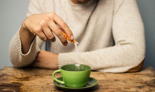 Υποκατάστατα ζάχαρης: Γιατί η στέβια είναι καλύτερη από τη φρουκτόζη