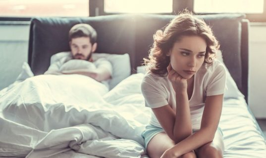 O απροσδόκητος λόγος που εκατομμύρια άνθρωποι παραμένουν σε δυστυχισμένες σχέσεις