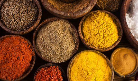 Πώς θα διατηρήσεις για περισσότερο καιρό το άρωμα και τη φρεσκάδα στα μπαχαρικά