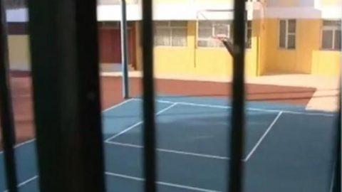 Θρασύτατοι και αμετανόητοι οι «νταήδες» μαθητές του Βύρωνα: Έβγαζαν selfie στο αστυνομικό τμήμα (εικόνα)