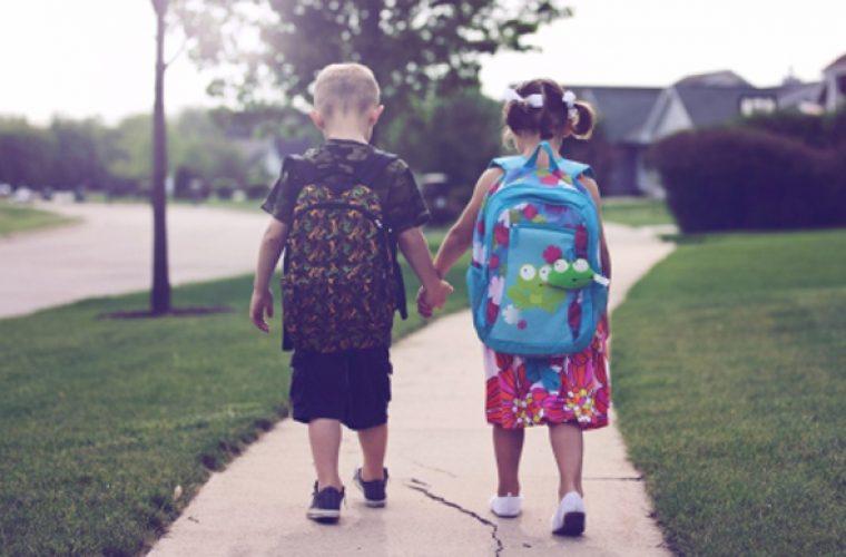 Η Κεραμέως ανακοίνωσε πότε θα τελειώσει η σχολική χρονιά και πότε θα γίνουνοι Πανελλήνιες