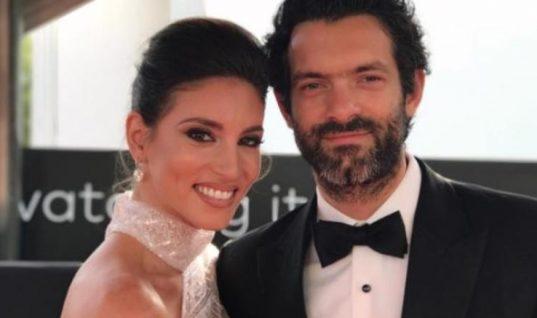 Ο έξαλλος χορός της Αθηνάς Οικονομάκου στο γλέντι του γάμου της! (Vid)