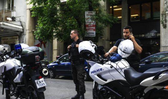 Αιματηρό περισταστικό στη Γλυφάδα: Τραυμάτισε με παγοκόφτη αστυνομικό για μία κλήση!