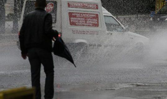 Νέα επιδείνωση του καιρού: Μετά τις καταιγίδες έρχονται χιόνια