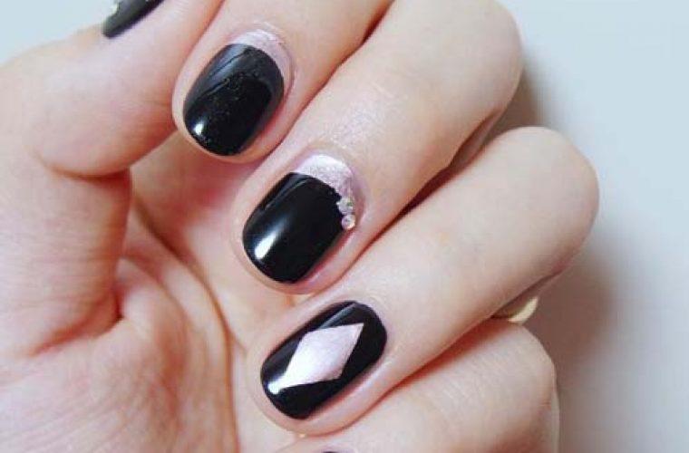Μανικιούρ με σκούρα χρώματα για το χειμώνα!