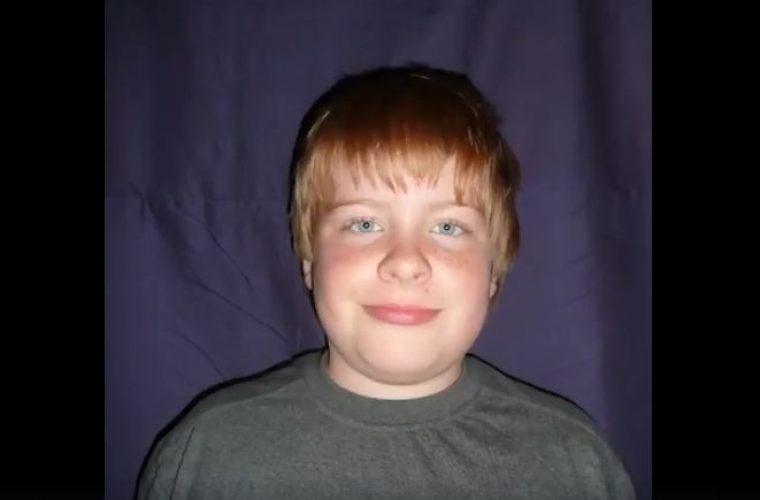 Έβγαζε φωτογραφία τον εαυτό του κάθε μέρα από 13 έως 23 ετών – Η απίστευτη μεταμόρφωσή του