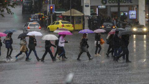 Ραγδαία αλλαγή του καιρού: Βροχές, καταιγίδες σε όλη την Ελλάδα